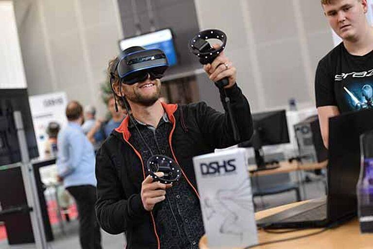 Digitaltag in St. Gallen mit VR-Brille