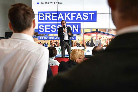 Hans-Willy Brockes bei der Breakfast Session