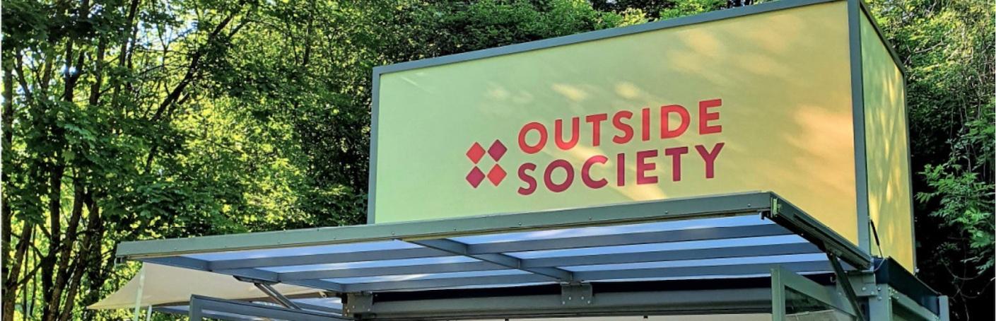 banner_outside